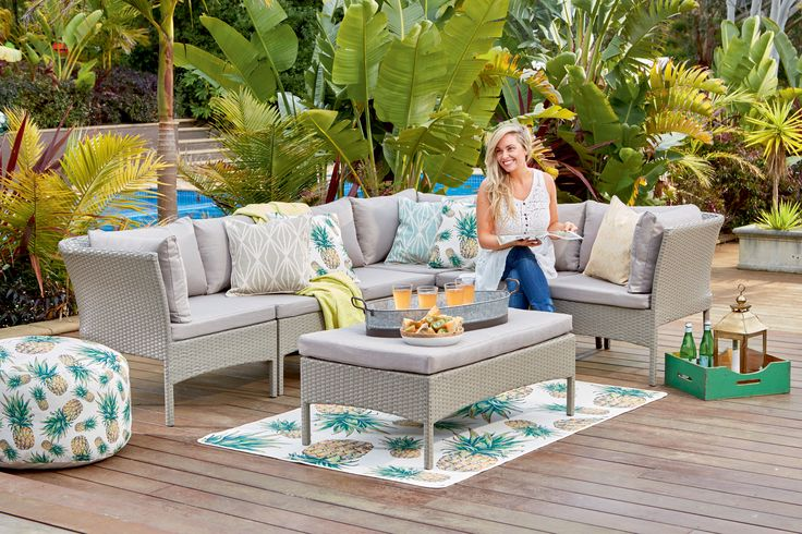 Cantara modular sofa set with coffee table