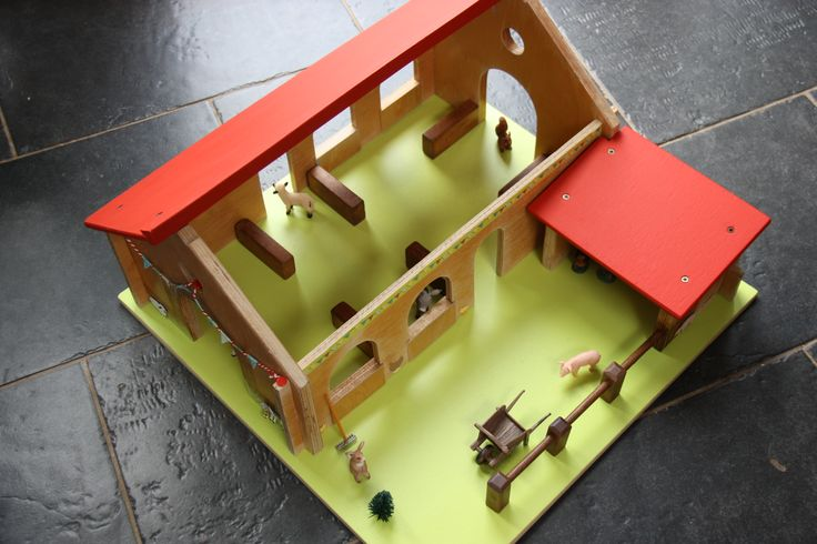 Ferme en bois jouet pour enfant restauré