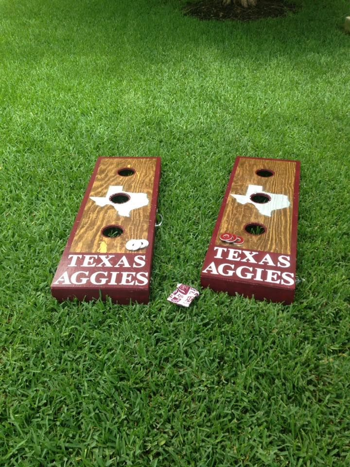 Stained and hand painted Texas A&M washer boards. Major & Co. Wood Designs  facebook.com/majorandcodesigns