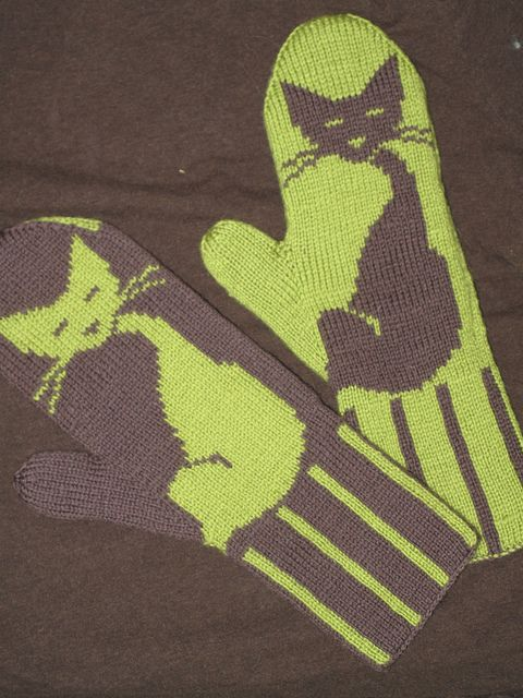 Kitten Mittens by see_jen_knit, via Flickr - for Dahlia