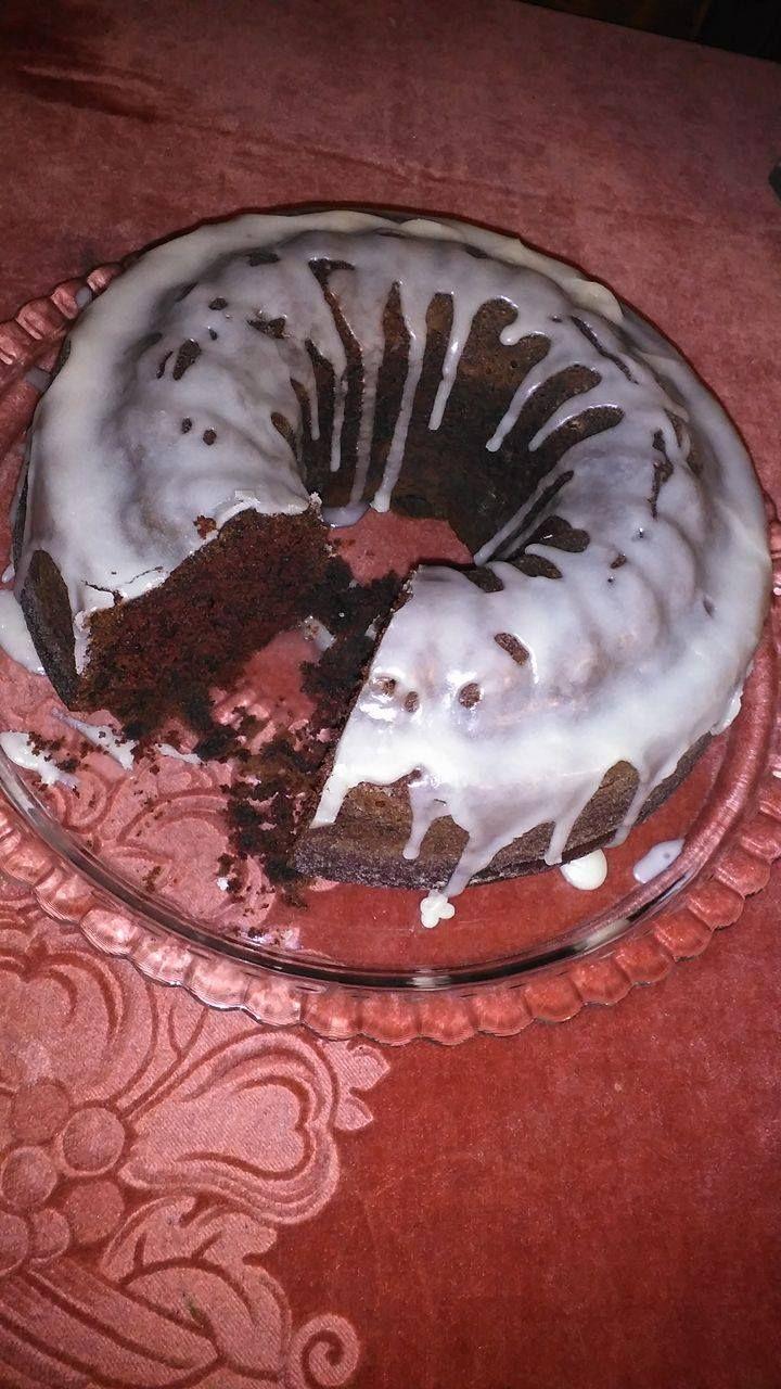Νηστίσιμο σοκολατένιο κέικ. Ένα πεντανόστιμο κέικ με γλάσο που συνοδεύει υπέροχα τον απογευματινό καφέ!