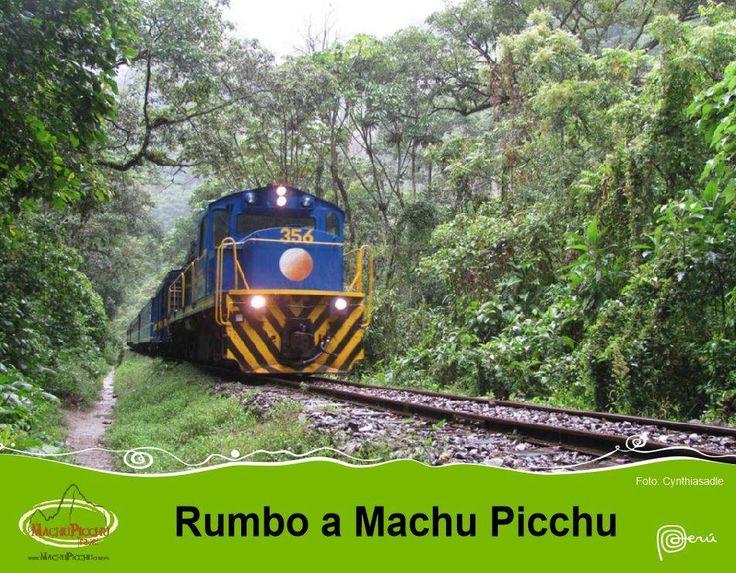 Un mágico e inolvidable viaje hacia Machupicchu, entre montañas y frondosa vegetación. Haga sus reserva en www.machupicchu.com.pe su mejor opción   #Machupicchu  #Cusco  #tren  #viaje  #maravillas modernas