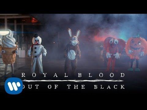 Overlooked videos: 5- Royal Blood - Out Of The Black. Ok, trocar sanguinolência real por sanguinolência cartoon foi legal (Ok, turn real bloody ultraviolence into cartoon bloody ultraviolence was a cool step) (dir.: David Wilson & Christy Karacas) (30/12)