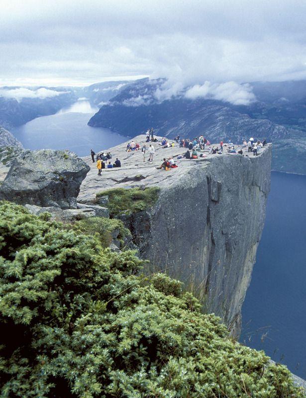 Noruega. El púlpito sobre los fiordos                                                                                                                                                                                 Más