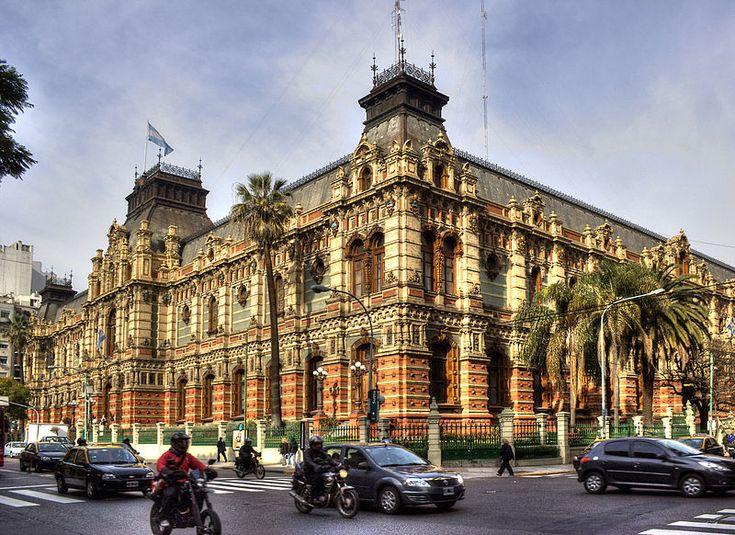 Gran Depósito Ing. Guillermo Villanueva (conocido como Palacio de las Aguas Corrientes), Barrio de Balvanera.-