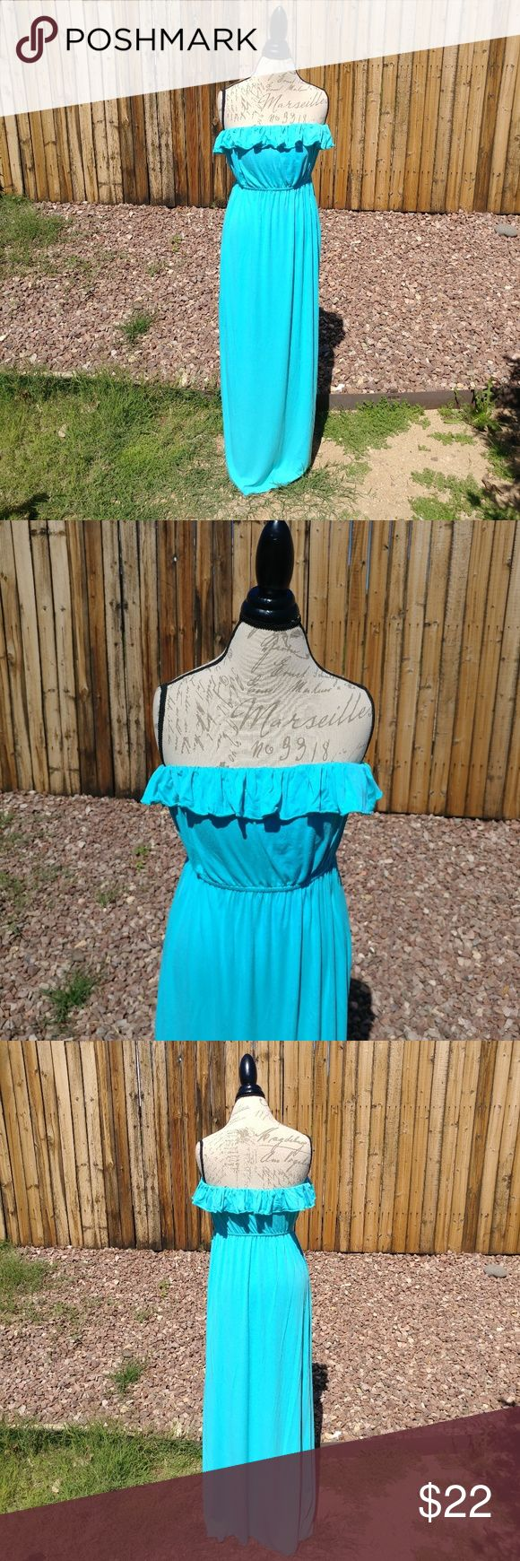 """Collective Concepts teal maxi dress Turquoise, straples maxi dress. Very good condition. Size: L Dress is very stretchy. Bust flat- 16"""" Waist flat- 15"""" (very stretchy) Length- 53.5""""  Offers are welcome. Collective Concepts Dresses Maxi"""