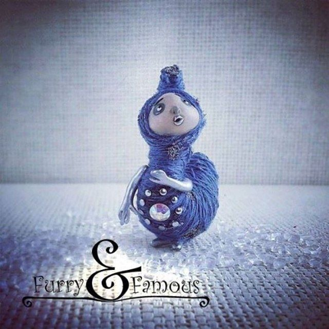 #гусеница #arts #doll #creature #sculpture #miniature #clay #polymerclay #blue #metallic #caterpillar #crystal #furry_and_famous
