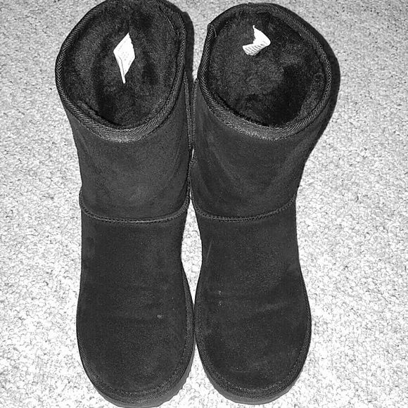 Selling this Leather boots in my Poshmark closet! My username is: luannabug. #shopmycloset #poshmark #fashion #shopping #style #forsale #? #Shoes