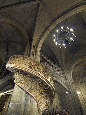 Interior de la bas lica arcipestral morella castell n for Turismo interior castellon