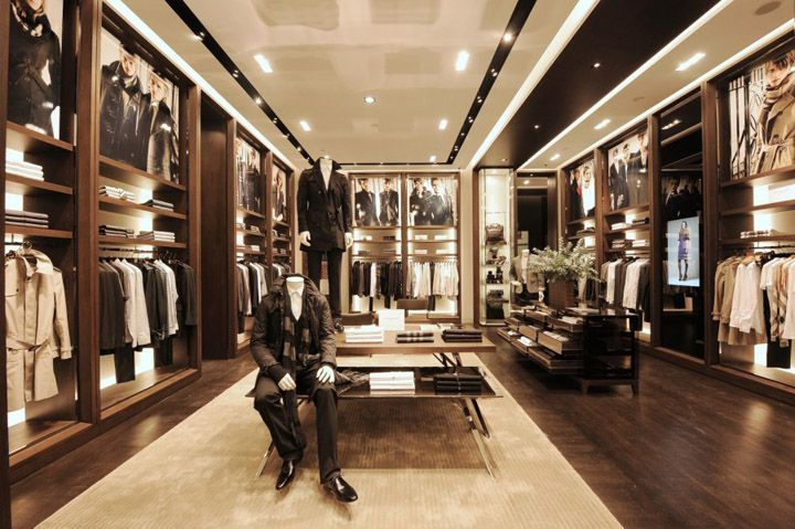 Burberry stores are a shinny, beautiful walk-ins!!