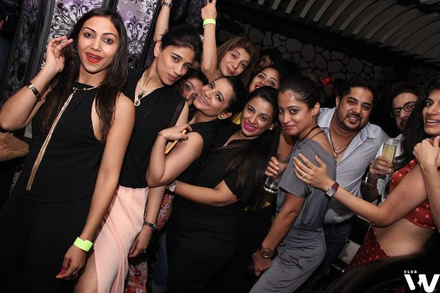 Ladies Night Out In Club BW For Guestlist: 9711008286 | Ladies Night | Delhi Night Clubs and Cafes | Nightlife In Delhi NCR