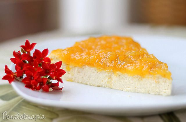 Essa é uma boa opção light para quem não abre mão da sobremesa. Ela é uma torta deliciosa só que não é muito doce. Com cobertura de geleia de goiaba (pode ser a versão light), ou goiabada derretida…