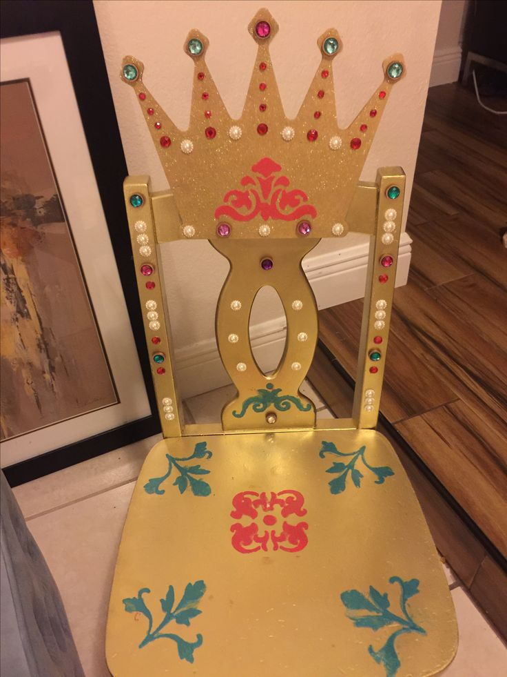 I found some old wooden children's chairs at a consignment shop and turned them into Royal Princess Thrones for my daughter's 4th birthday party! Super easy and super cute! Princess Birthday Party Ideas, Elena of Avalor, Princess chair, Throne, Birthday Chair, hand-painted chair