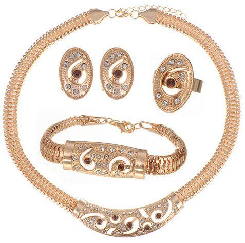 https://www.goedkopesieraden.net/Compleet-luxe-sieraden-set-in-het-goud-met-bruine-strass-steentjes