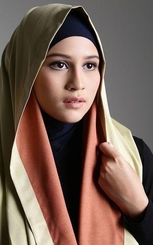 2 Tone Instant Hoods Light Green by Kamila by Teti Hermawan