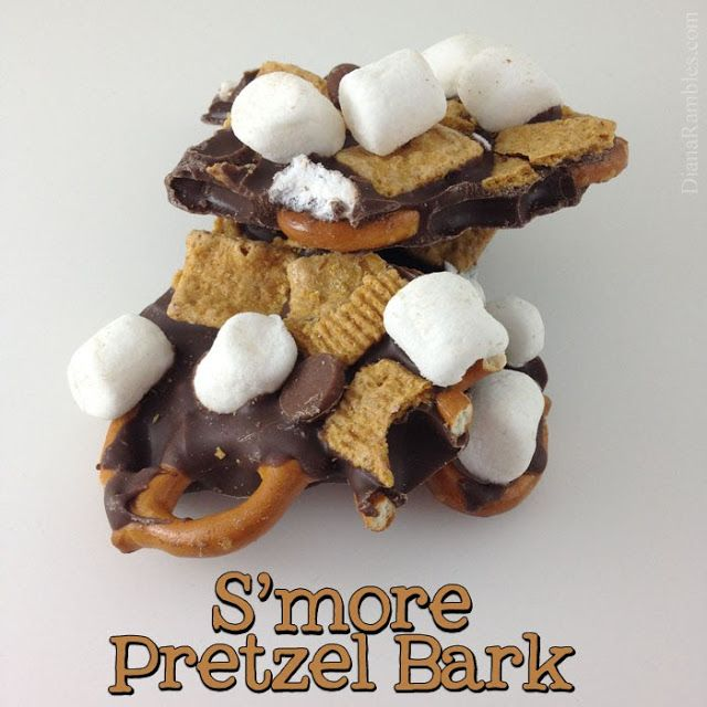 Smore Pretzel Bark from DianaRambles.com #smores #goldengrahams #bark #recipe