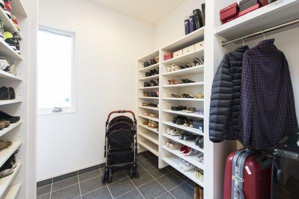 Laundry shoe racks