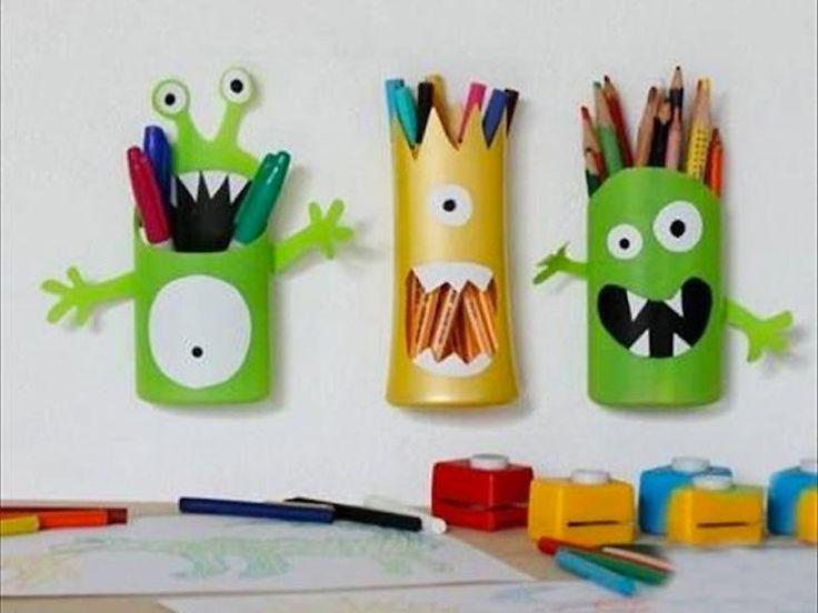 Fournitures scolaires personnalisées : des pots à crayons muraux