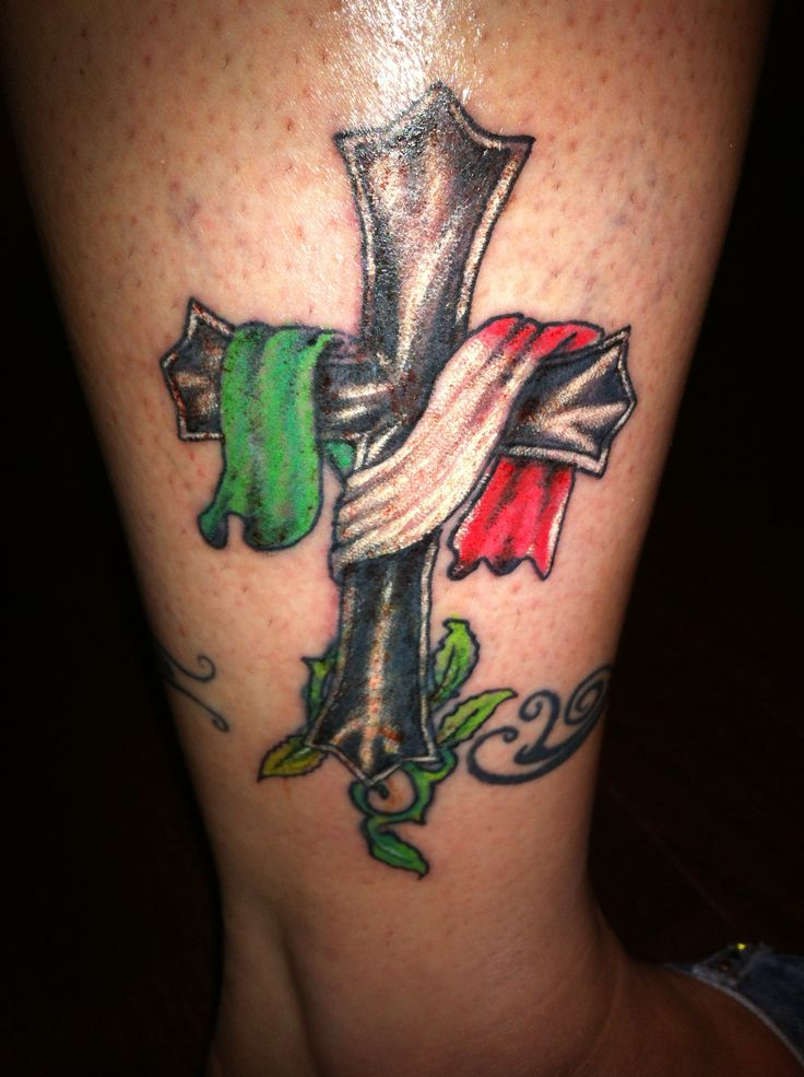 Family tattoo... Italian flag | Men Tattoo Ideas ...