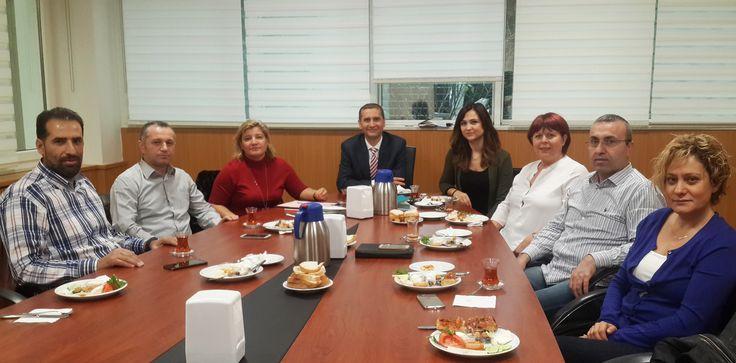 2. Okul Aile Birliği Toplantısı, Okul Müdürümüz Selçuk Erdem, Okul Aile Birliği Başkanı Selda Erdoğan, Müdür Yardımcımız Berna Öztürk ve değerli okul aile birliği üyeleri velilerimizin katılımı ile kahvaltı eşliğinde gerçekleştirildi. Toplantıda, Sarıyer ilçesindeki bir ilkokulun ihtiyacını karşılamak üzere bir kermes yapılmasına karar verildi. Çok verimli bir toplantı yapıldı. Diğer gündem maddeleri de işlenip, bir sonraki toplantı tarihine karar verilerek toplantı sonlandırıldı.