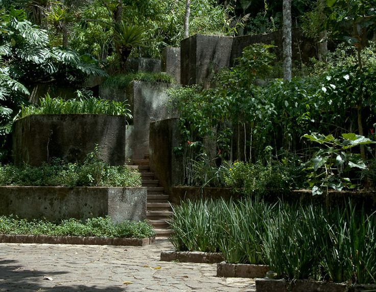 Raul de souza martins residence petropolis brazil for Dc landscape design
