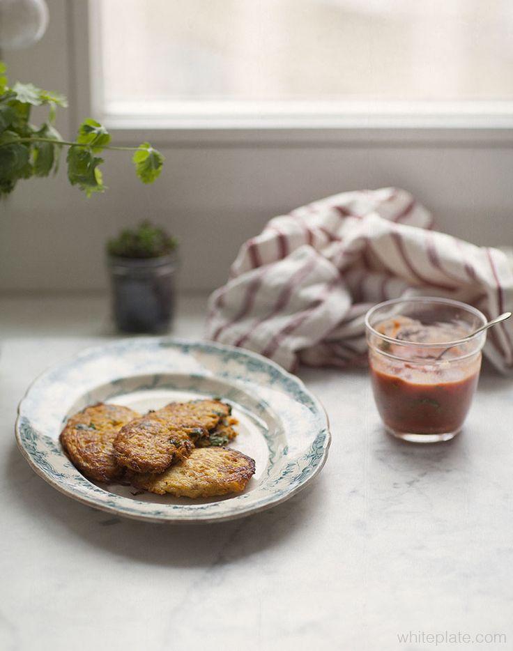 Placki marchewkowo - cukiniowe +salsa pomidorowa na mleku kokosowym