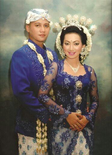 Indonesia wedding dress