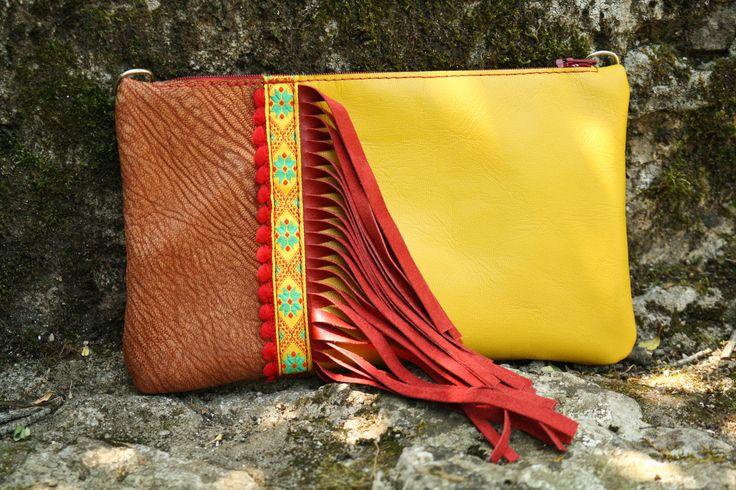 Sac pochette modulable en cuir jaune et franges rouges - petit format : Sacs à main par may-wook