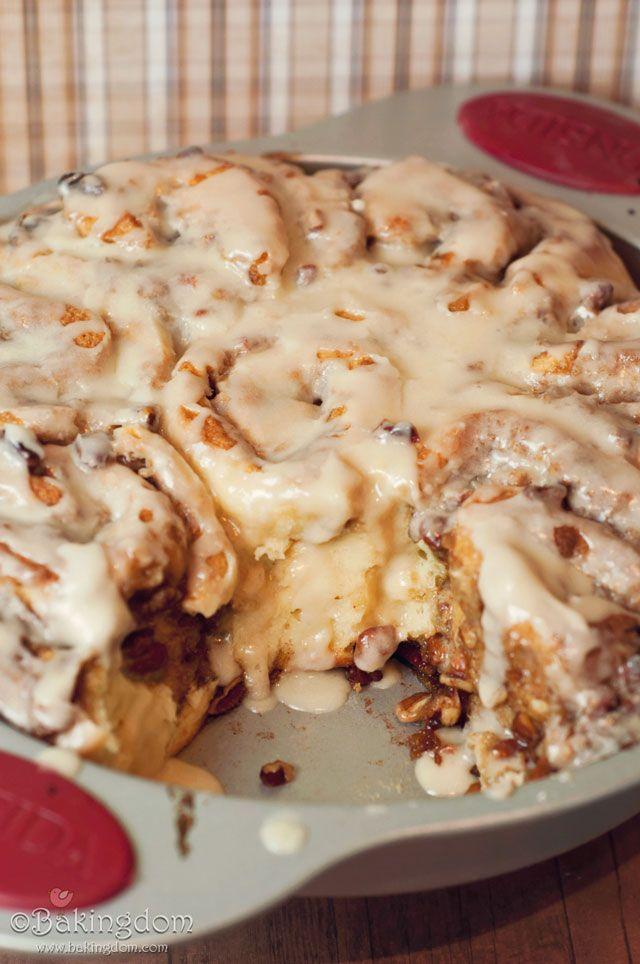 Easy-Homemade-Maple-Pecan-Cinnamon-Rolls Christmas Brunch