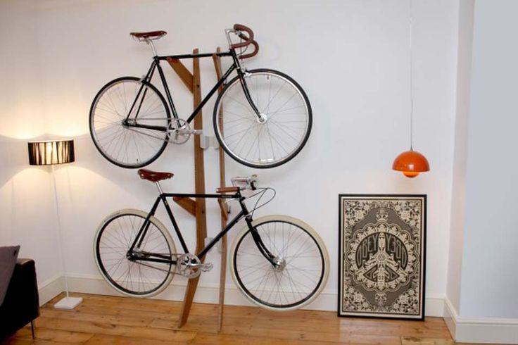 Support à vélo en bois pour ranger jusqu'à deux vélo à la fois