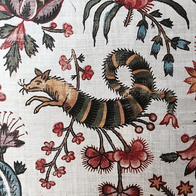 "Stylized floral elements mingle with fantastic creatures in Christophe-Philippe Oberkampf's ""Les Coquecigrues"" cotton print from 1792. #ancienttraditions #luxuryfabrics #france #india #inspiredbyindia #history #culture #europeanstyle #exoticstyle by peterdascoli"