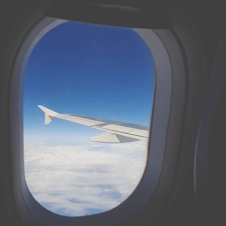 Come as you are #Nirvana  Location  #AegeanAirlines Photo  #ElectraAsteri  Τα ταξίδια είναι γεμάτα ενδιαφέρουσες στιγμές. Έτσι είναι και αυτά που πηγαίνουμε τα τελευταία χρόνια.Γεμάτα ιδιαιτερότητες και ομορφιές μαθαίνοντας πως να γίνουμε καλύτεροι και πιο σωστοί άνθρωποι σ' αυτό τον κόσμο.  Στιγμές έντονες. Στιγμές αγαπημένες. Στιγμές μοναδικές.  Και άλλες που θα θυμάσαι για πάντα.  Όλες μαζί.. δικές μου και δικές σου.  I love you. @ftbletsas  #happytraveller #sky #travelgreece…