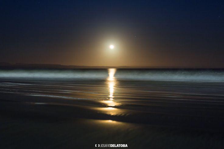 A beautiful full moon #josafatdelatoba #cabophotographer #landscapephotography #loscabos #bajacaliforniasur #fullmoon #sanjuanico #mexico