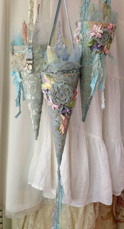 vintage lace tussie mussies https://www.etsy.com/listing/208328863/paris-blues-moulin-rouge-shabby-lace?