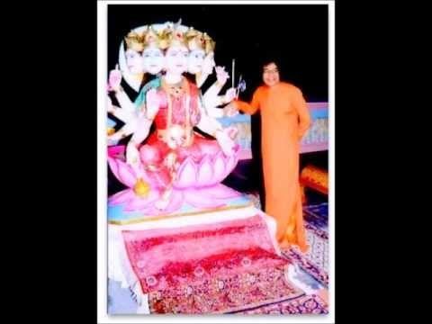 Sathya Sai Baba sings Hari Bhajana Bina Sukha Shanti Nahi - YouTube