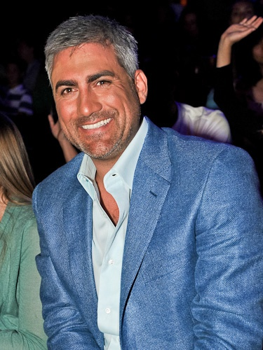 lookin' good! Is that Taylor Hicks or George Clooney's younger brother?