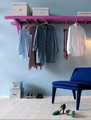 Van een ladder naar een kledingrek :) Als de ruimte het zich toelaat super voor wat dan ook wat er aan kan hangen