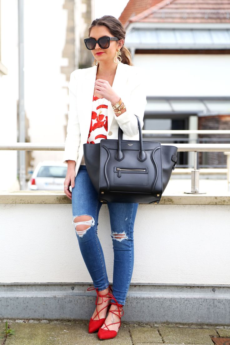 outfit-off-shoulder-top-white-blazer-ripped-jeans-celine-luggage
