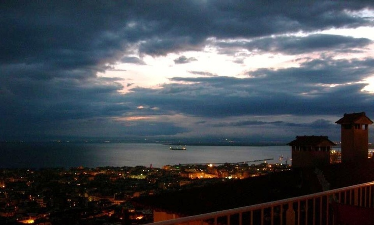 beautiful rooftop photo of Thessaloniki of our soul