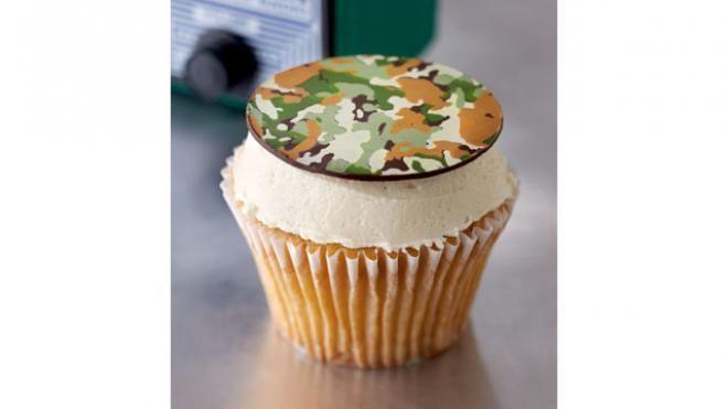 B-52: Kahlua-soaked Yellow Cupcake with Bailey's Buttercream | Recipe | Fox News