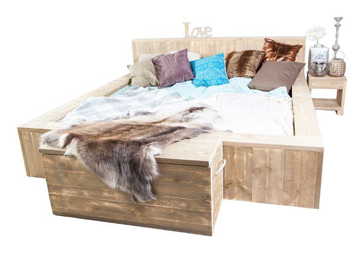 Tweepersoons steigerhouten bed