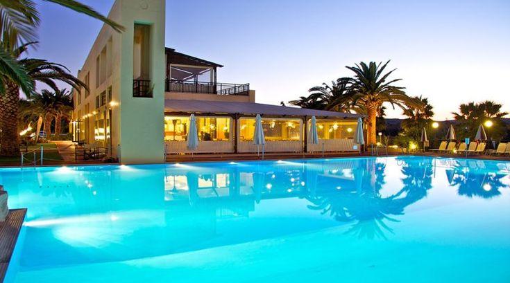 Lyxsemester på Kreta i sommar inkl. flyg från Arland med boende på Solimar Aquamarine Hotel som ligger i vackra och lugna omgivningar mellan Gerani och Platanias, ca 14 km från den populära hamnstaden Chania. Hotellets 102 rum är alla trevligt inredda och ligger i låga tvåvåningshus utspridda på ett stort, grönt och frodigt område med många träd och blommor.