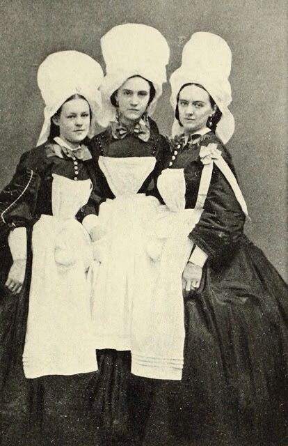 Portrait of three unidentified Sanitary Commission nurses ...