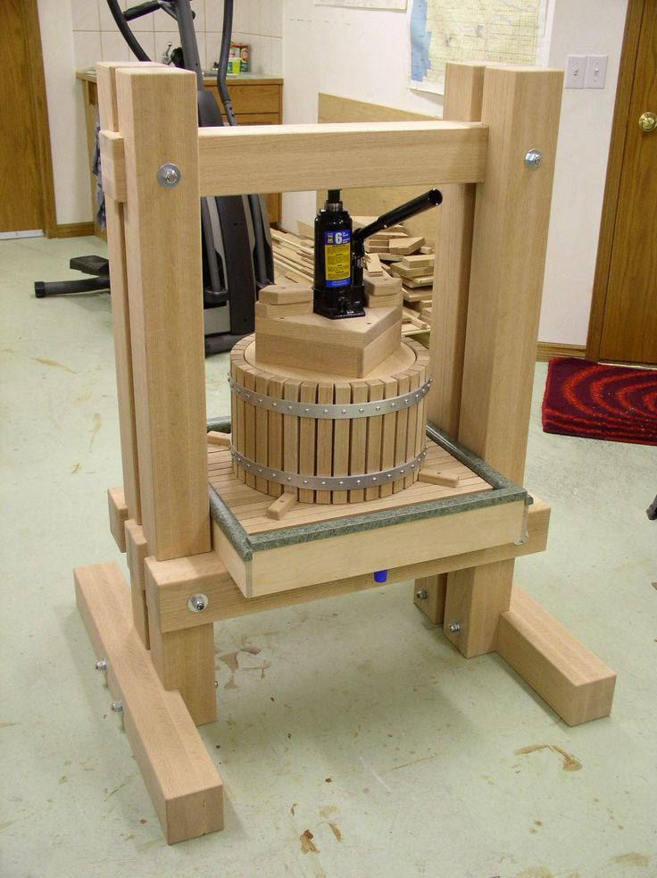 http://www.van-vliet.org/dempseywoodworking/images/appleciderpress33hr.jpg