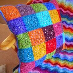 Jeito de Casa: Almofadas de crochê para inspirar e decorar                                                                                                                                                     Mais