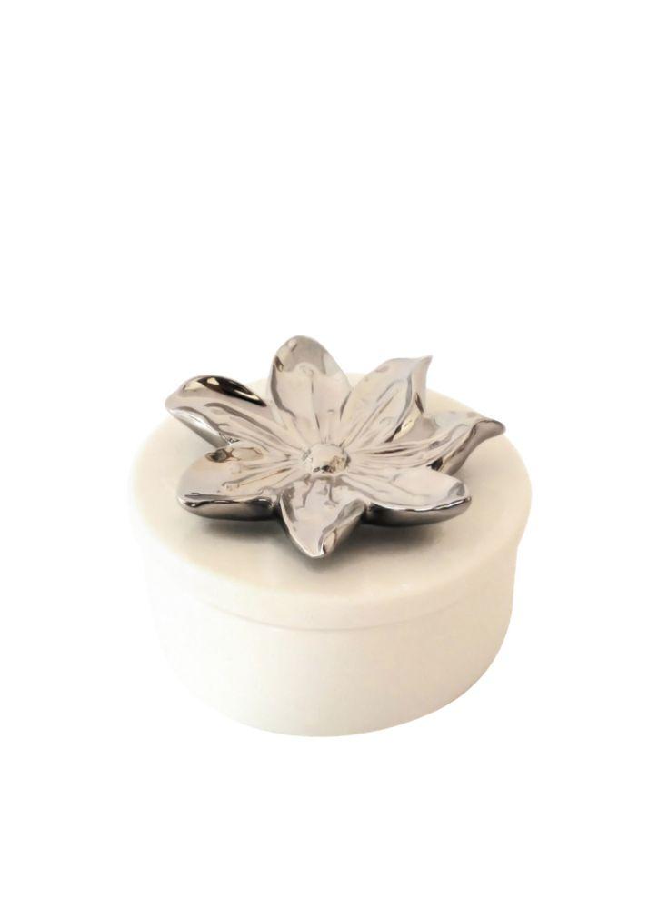 A Loja do Gato Preto | Caixa Branca Flor Prateada  #alojadogatopreto