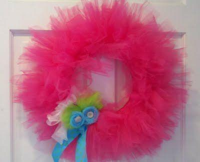 A Tutu Wreath: Safe, The Doors, Tutu Wreaths, Tulle Wreaths, Little Girls Rooms, Bedrooms Doors, Bday Parties, Little Girl Rooms, Baby Wreaths