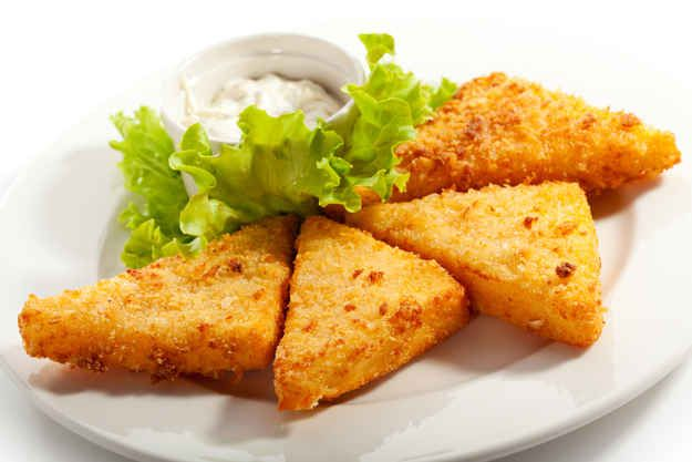 Rántott Sajt (fried cheese) | 32 Hungarian Foods The Whole World Should Know And Love