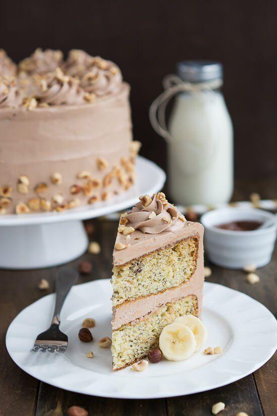 Banana-Haselnuss-Kuchen ist die perfekte Kombination von Banane, Schokolade und Nüsse.