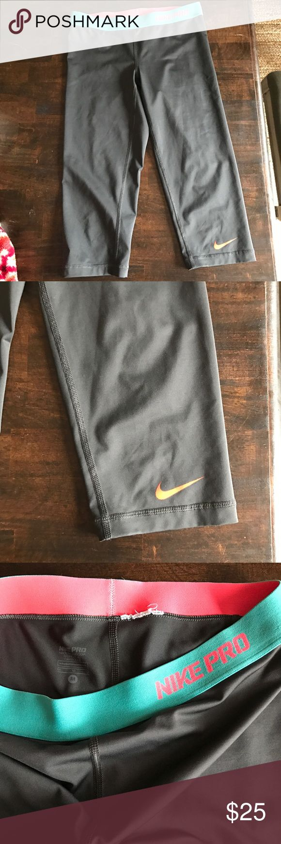 Nike capri leggings Size medium ... Tag was cut off because it bothered me. In great used condition! Nike Pants Leggings